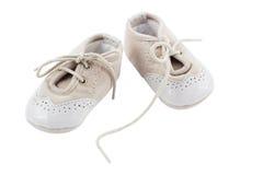 Бежевые ботинки для детей Стоковое фото RF