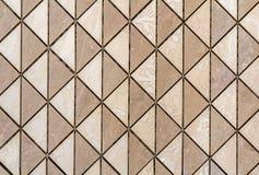 Бежевые плитки стена или пол со светлым флористическим украшением Повторение графического дизайна, плоская поверхность, геометрич стоковое изображение rf