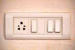Бежевый выключатель коромысла с 3 кнопками Стоковые Фотографии RF