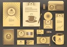 Бежевый клеймя дизайн для кофейни, кофейни, кафа, ресторана с значком чашки Стоковое Изображение