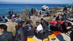 Беженцы на греческом побережье, около Турции Стоковые Изображения RF