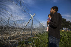 Беженцы Sirian преграженные в Idomeni Стоковые Фотографии RF