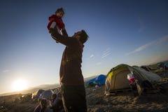 Беженцы Sirian преграженные в Idomeni Стоковое Фото