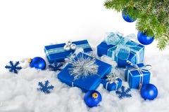 Безделушки рождества, подарки и ветвь дерева Christams Стоковое Фото