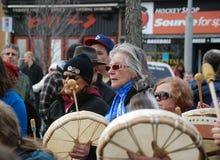 БЕЗДЕЛЬНИЧАЙТЕ НЕ БОЛЬШЕ - Guelph, протест Онтарио Стоковое Изображение RF