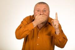 Безмолвный человек показывая палец Стоковая Фотография RF