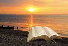 Безмятежность духовного мира библии внутренняя спокойная стоковая фотография rf