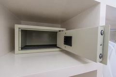 Безопасная коробка с электронным замком в гостинице Стоковая Фотография