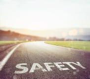 Безопасная дорога, который нужно путешествовать стоковые изображения rf