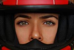 безопасность гонщика девушки Стоковая Фотография