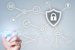 Безопасность кибер, защита данных технология интернета и концепция дела стоковые изображения