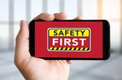 Безопасность прежде всего предупреждая concect защищает безопасность внимания тщательную Стоковая Фотография RF