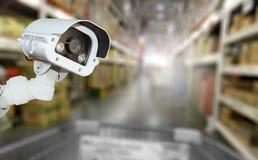 Безопасность системы камеры CCTV в ба нерезкости супермаркета торгового центра Стоковые Изображения