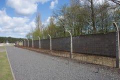Безопасность с загородкой колючей проволоки Стоковое Фото