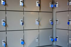 Безопасные lockboxes для хранения багажа Стоковые Изображения