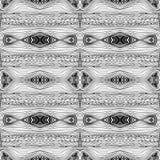 Безшовная абстрактная черно-белая kaleidoscopic картина Волнистой текстура нарисованная рукой бесконечная геометрическая Стоковая Фотография