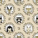 Безшовная картина вектора с головами милого полесья животными на cream предпосылке иллюстрация вектора