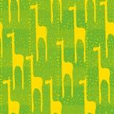 Безшовная картина вектора с желтыми жирафами на зеленой предпосылке иллюстрация вектора