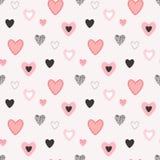 Безшовная картина вектора с милыми сердцами в симпатичном черно-красн-штыре стоковые фото