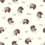Безшовная картина вектора с стилизованными милыми слонами Стоковое Фото