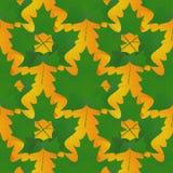 Безшовная картина в цветах осени сделанных из кленовых листов, зеленеет Стоковое Изображение RF