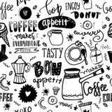 Безшовная картина кофе с цитатами и чашками Предпосылка эскиза Doodle с элементами grunge Стоковые Фотографии RF