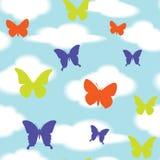 Безшовная картина от бабочек в облаках Стоковое Изображение RF