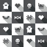 Безшовная картина пиксела хеллоуина праздничная черно-белая в векторе Стоковые Фото