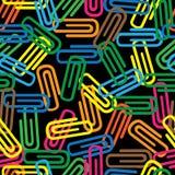 Безшовная картина покрашенных paperclips Стоковое Изображение RF