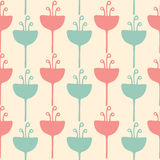 Безшовная картина предпосылки цветка тюльпана Стоковые Изображения