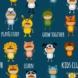 Безшовная картина при милые дети нося животные костюмы Стоковое Изображение RF