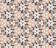 Безшовная картина состоя из геометрических элементов аранжировала на светлой предпосылке Стоковое Изображение RF
