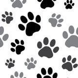 Безшовная картина со следом лапки черного и серого силуэта животным на белой предпосылке также вектор иллюстрации притяжки corel бесплатная иллюстрация