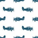 Безшовная картина с голубыми самолет-бипланами иллюстрация вектора
