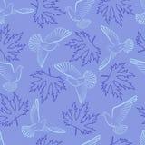 Безшовная картина с голубями и листьями на голубой предпосылке Стоковые Изображения