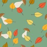 Безшовная картина с грибами и листьями Стоковые Изображения RF