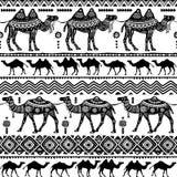 Безшовная картина с декоративными верблюдами Стоковые Фотографии RF