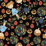 Безшовная картина с детьми и символами лета Стоковые Фотографии RF