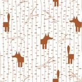 Безшовная картина с лисой в лесе Стоковые Изображения