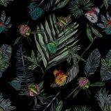 Безшовная картина с листьями и бабочкой стоковые фото