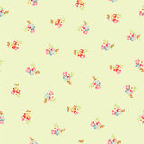 Безшовная картина с маленькими цветками Стоковые Изображения