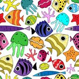 Безшовная картина с милыми рыбами мультфильма иллюстрация штока