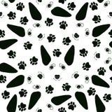 Безшовная картина с милыми сторонами собаки и следами собаки Черно-белая иллюстрация вектора иллюстрация вектора