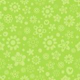 Безшовная картина с милыми цветками в зеленых monochrome цветах на зеленой предпосылке Стоковые Изображения