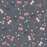 Безшовная картина с нежными цветками и сердцами Стоковые Изображения