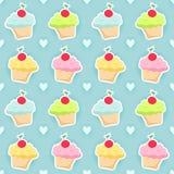 Безшовная картина с пирожными и сердцами Стоковая Фотография