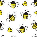 Безшовная картина с пчелой и сотом летания мультфильма также вектор иллюстрации притяжки corel бесплатная иллюстрация