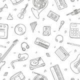 Безшовная картина с различными музыкальными инструментами, символами, объектами и элементами Стоковая Фотография RF
