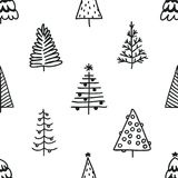 Безшовная картина с рождественской елкой нарисованной рукой Стоковое Изображение