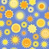 Безшовная картина с солнцами Стоковое фото RF